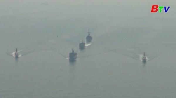 Hải quân Mỹ và Anh tiến hành tập trận chung