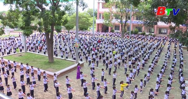 Trường tiểu học Dầu Tiếng - Đơn vị điển hình trong học tập và làm theo Bác