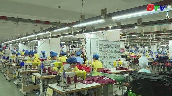 Các cấp công đoàn ở Bình Dương nỗ lực chăm lo đời sống cho lao động nữ