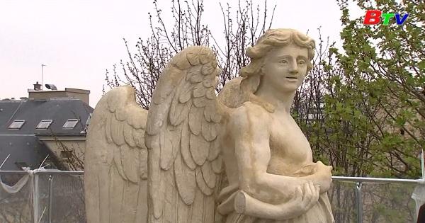 Nỗ lực phục chế những bức tượng 350 tuổi ở tu viện Val-de-Grace cổ kính