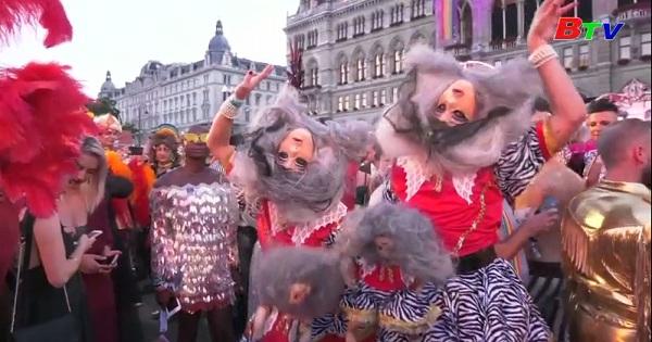 Thú vị lễ hội hóa trang hàng năm ở Vienna