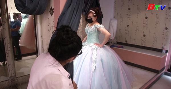 Mehico - Các cửa hàng kinh doanh áo cưới gặp khó vì dịch bệnh