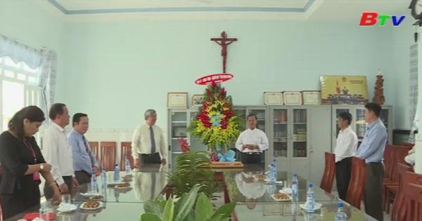 Lãnh đạo tỉnh chúc mừng 30 năm thụ phong linh mục chủ tịch Ủy ban Đoàn kết Công giáo Bình Dương