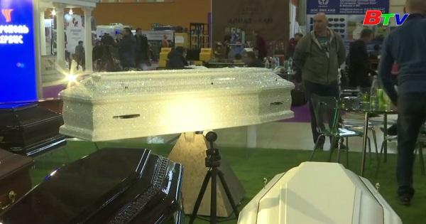 Triển lãm thương mại tang lễ ở Mat - cơ -va
