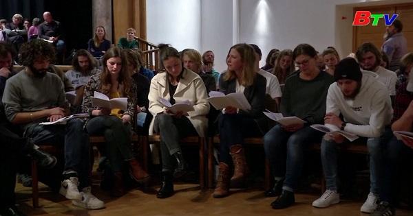 Đức - Làng Oberammergau bắt đầu tập luyện vở kịch  Passion  Play