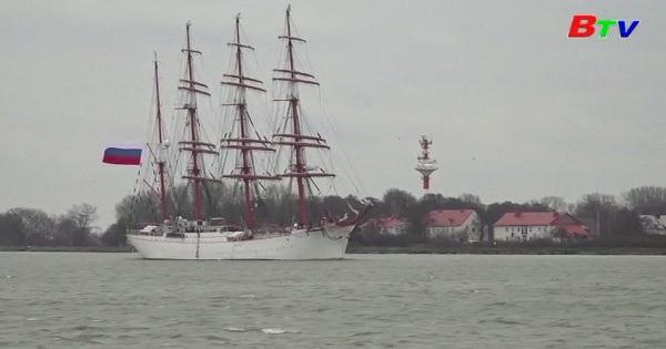 Hai thuyền buồm nổi tiếng bắt đầu hành trình vòng quanh thế giới