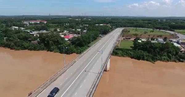 Chung dòng Sông Bé