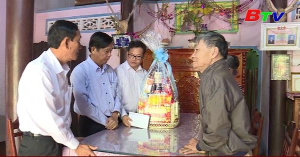Phú Giáo chăm lo Tết cho đối tượng chính sách xã hội