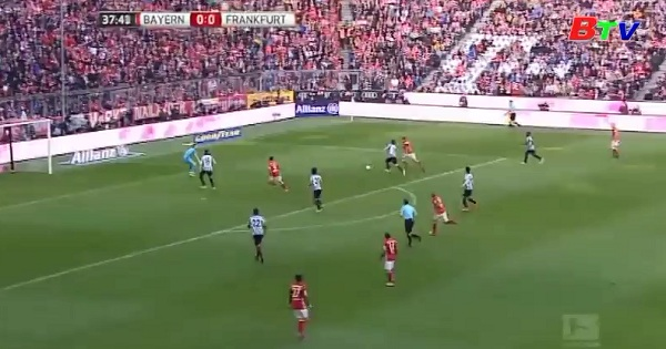 Vòng 24 Bundesliga - Lewandowski ghi bàn thắng thứ 100 cho Bayern