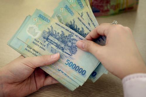 Lương cơ sở tăng 100.000 đồng mỗi tháng từ 1/7