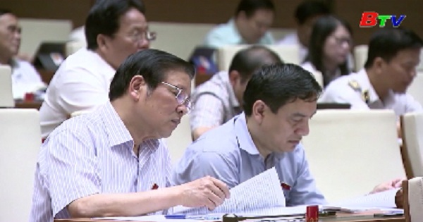Quốc hội chính thức thông qua Luật Quản lý thuế (sửa đổi) và Luật Đầu tư công (sửa đổi)