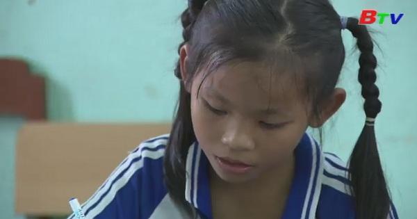 Thắp sáng ước mơ xanh - Em Trương Nguyễn Trường An, lớp 2/5, trường tiểu học thị trấn Thủ Thừa, Long An