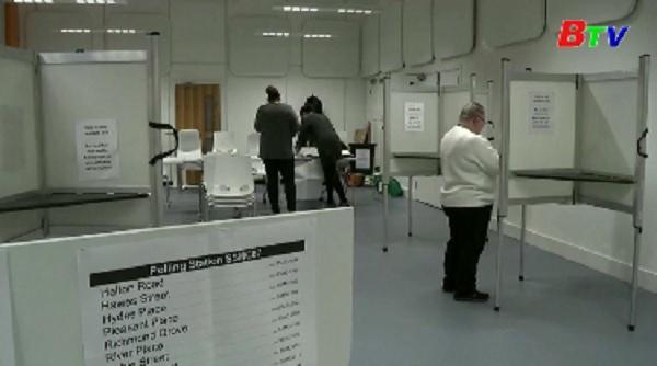 Anh tiến hành tổng tuyển cử trước thời hạn