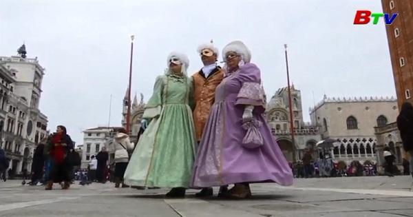 Nhộn nhịp lễ hóa trang Venice
