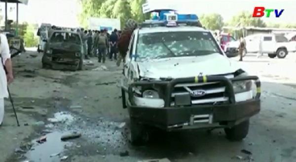 Đánh bom liều chết ở Afghanistan, hơn 20 người thương vong
