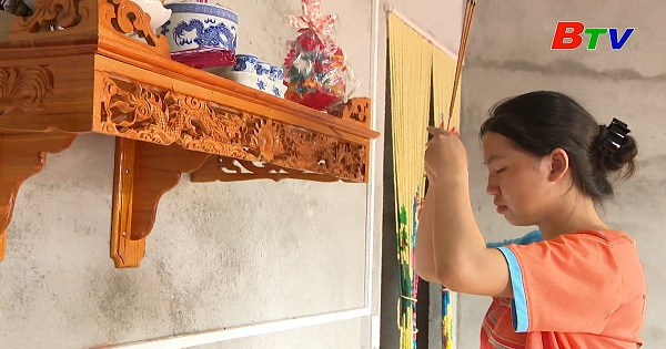 Thắp sáng ước mơ xanh - Em Trần Mỹ Duyên, lớp 12A7, trường THPT Phạm Văn Đồng,  thị trấn Kiến Đức, huyện Đắk R'lắp, tỉnh Đắk Nông