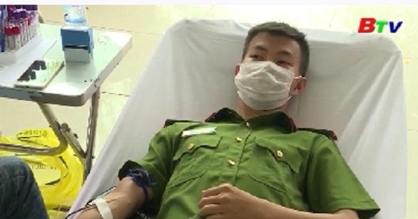 Những hạt nhân hiến máu tình nguyện