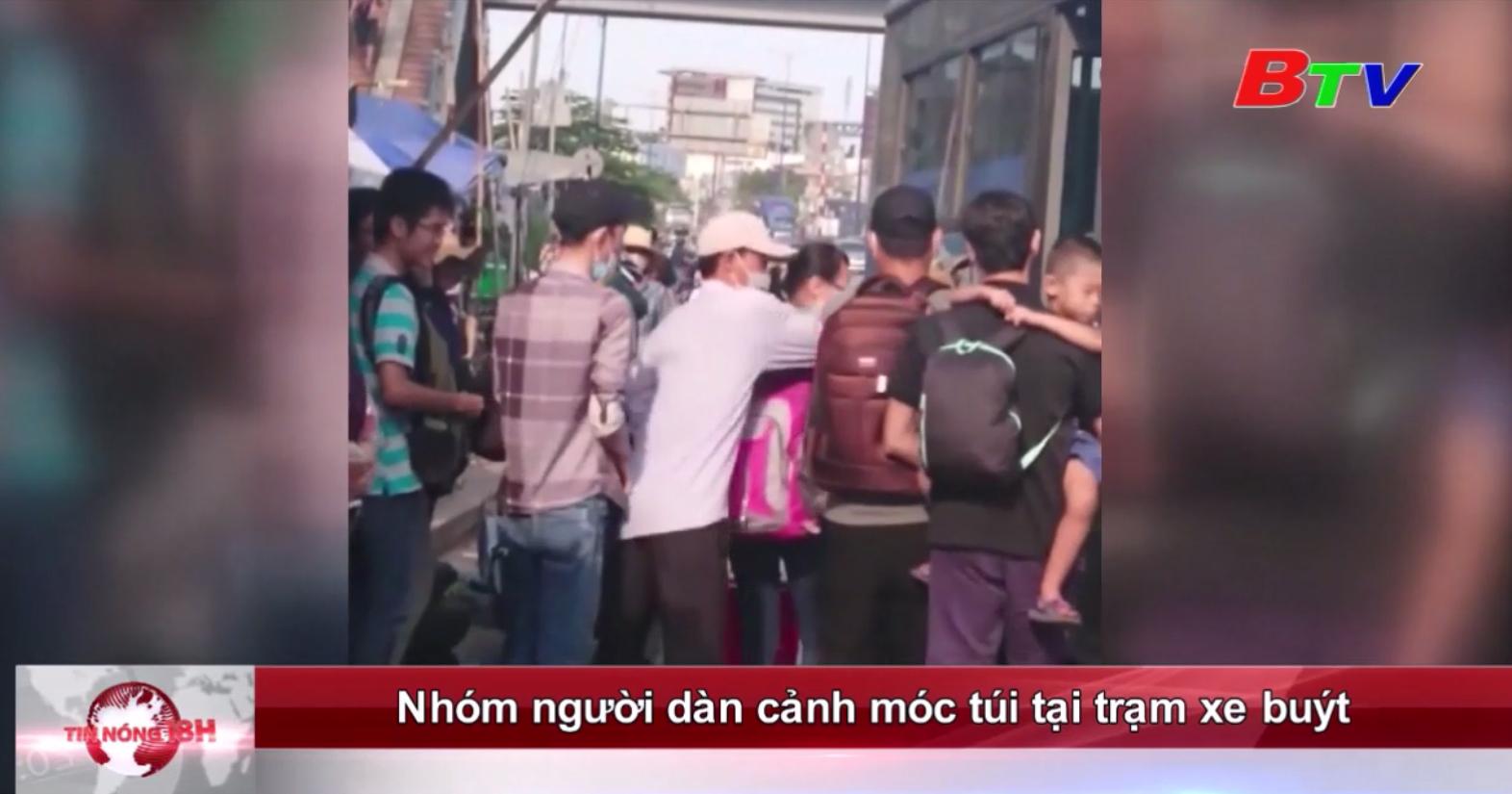Nhóm người dàn cảnh móc túi tại trạm xe buýt