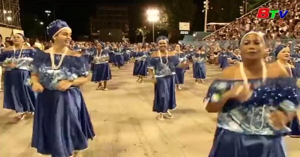 Brazil-Các trường dạy Samba chuẩn bị cho lễ hội Carnival