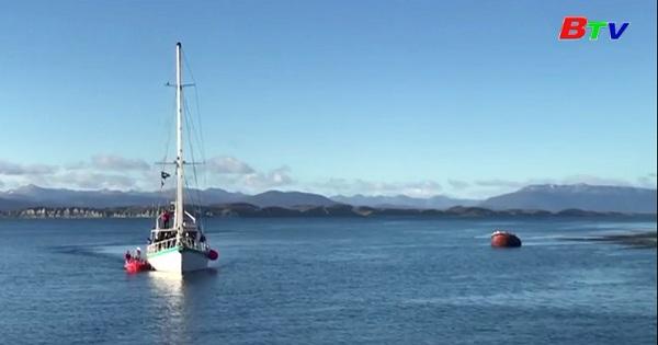 Fedor Konyukhov  hoàn tất chặng đầu tiên trên hành trình vượt Nam Đại Dương bằng thuyền Kayak