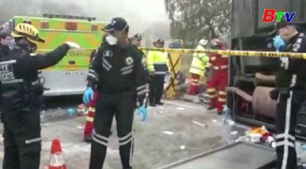 Tai nạn xe buýt nghiêm trọng ở Ecuador, 43 người thương vong