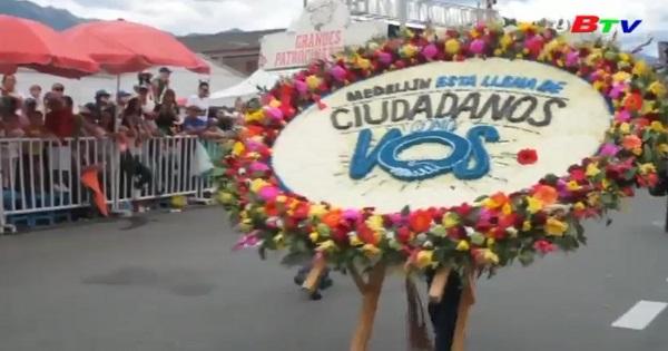 Sắc màu lễ hội vác tràng hoa ở Colombia