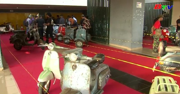 Hào hứng với ngày hội xe Vespa ở Kediri