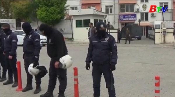 Vụ đánh bom Thổ Nhĩ Kỳ: Gần 600 người bị bắt giữ
