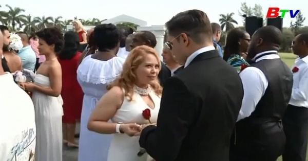 Mỹ - Đám cưới tập thể ngày Valentine