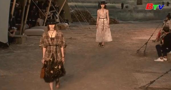 Dior trình làng bộ sưu tập phong cách miền Tây nước Mỹ