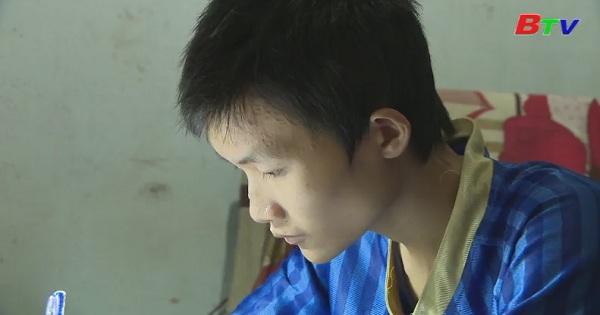 Em Phan Duy Hiếu, lớp 11A1, trường THPT Nguyễn Chì Thanh, Tp.Pleiku, Gia Lai