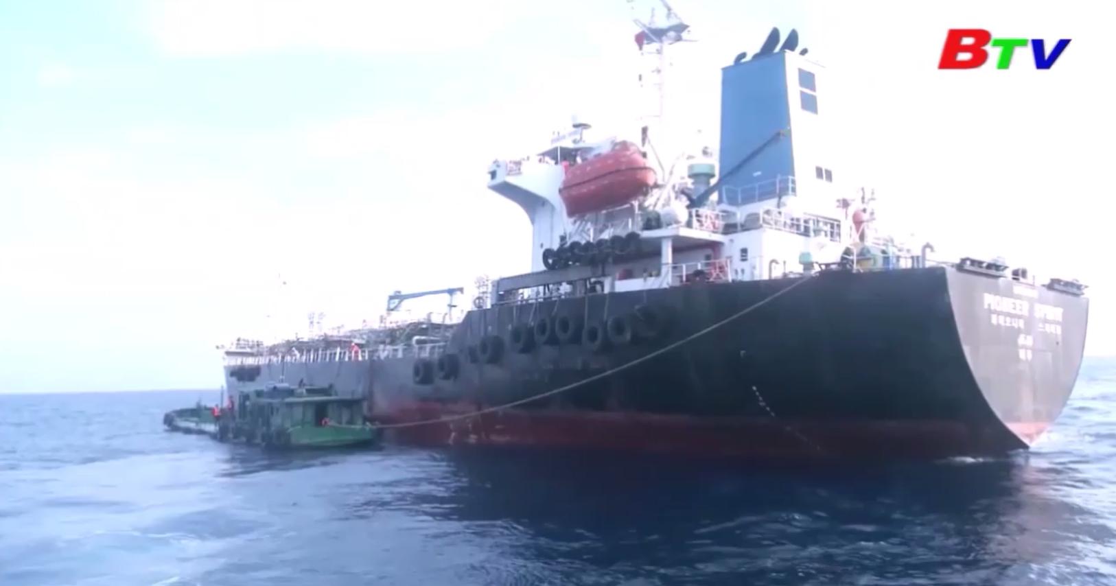 Buôn lậu hơn 8.000m3 xăng trên biển