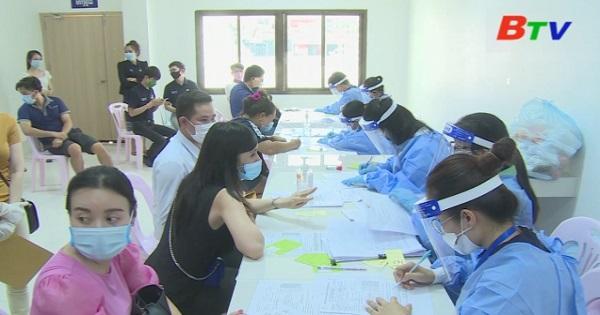 Lào bắt đầu đợt tiêm vaccine vòng hai