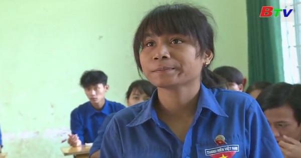 Thắp sáng ước mơ xanh - Em H'Black, lớp 12A1, trường THPT Hùng Vương, huyện Krông Ana, Đăk Lăk