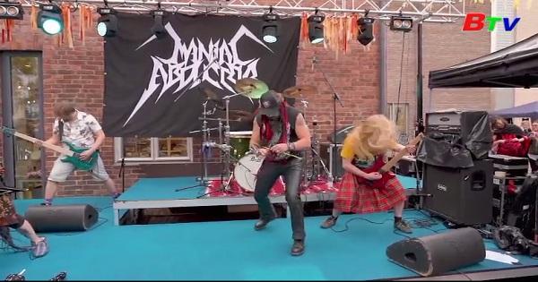 Giải vô địch đan len theo nhạc Heavy Metal ở Phần Lan