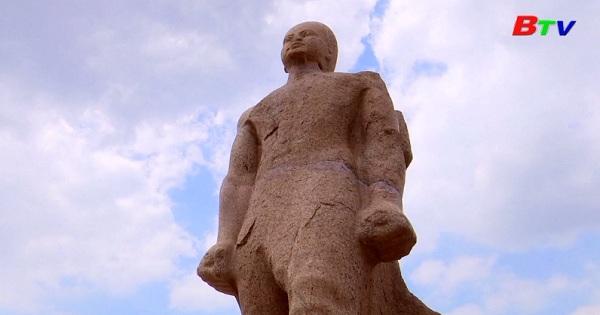 Ai Cập giới thiệu tượng vua RAMSES II