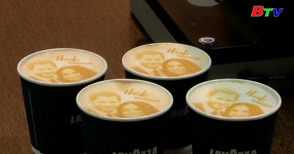 Thưởng thức ly cà phê có hình hoàng tử Harry và Meghan  Markle
