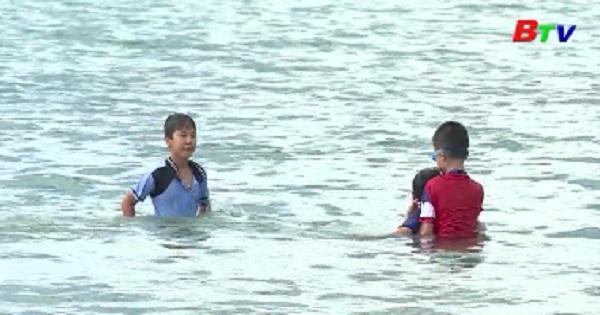 Giảm đuối nước không chỉ từ dạy bơi