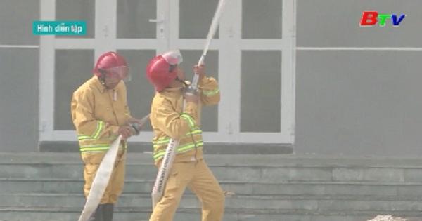 Tổng duyệt diễn tập phương án chữa cháy và cứu nạn cứu hộ chung cư Hiệp Thành