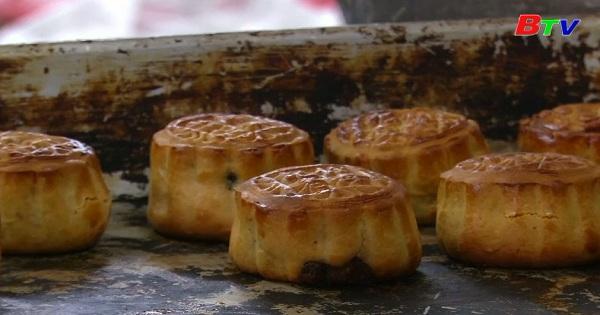 Bánh trung thu truyền thống mang hơi thở thời đại ở Hồng Kông