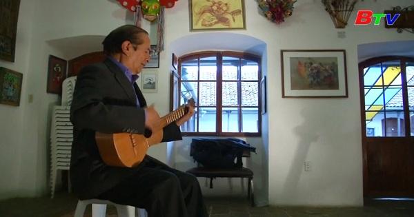 Chiêm ngưỡng những nhạc cụ độc đáo của nhạc công người  Bolivia