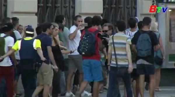 Hơn 90 người thương vong trong vụ đâm xe ở Barcelona