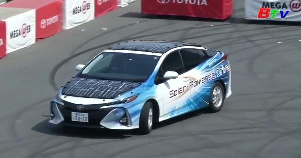 Nhật Bản - Toyota thử nghiệm mẫu xe Prius chạy bằng năng lượng mặt trời