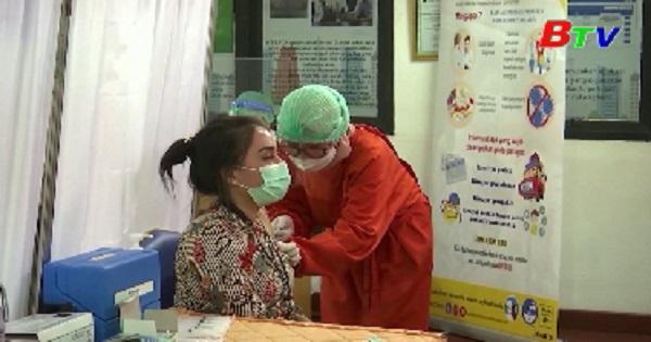 Số ca nhiễm COVID-19 ở Indonesia tăng kỷ lục