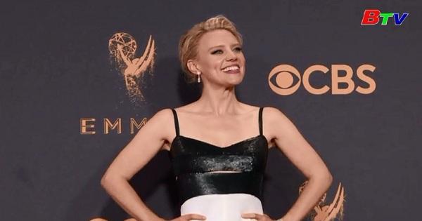 Thời trang của các minh tinh trên thảm đỏ Emmy