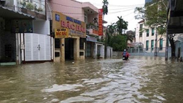 Hình ảnh kinh thành Huế chìm trong biển nước sau trận lụt lịch sử