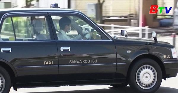 Nhật Bản cho phép taxi giao đồ ăn