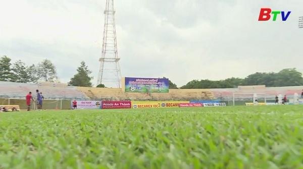 Công tác chuản bị sân bãi cho Giải Bóng đá Quốc tế Truyền hình Bình Dương lần thứ XIX - Cúp Number 1