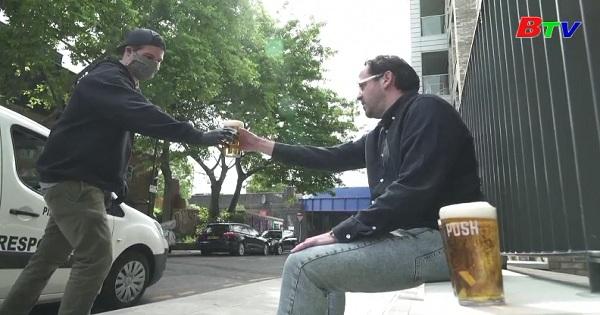 Anh - Quán bia di động phục vụ tận nhà gây sốt tại London