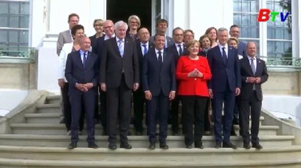 Đức và Pháp nhất trí thiết lập ngân sách chung của Eurozone